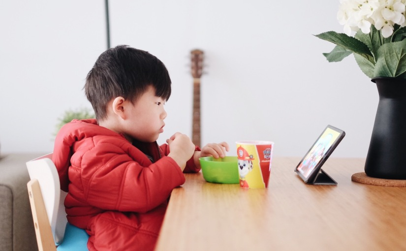 HEALTHY SCREEN TIMES – IS IT POSSIBLE ? (PLUS GIVEAWAYALERT)